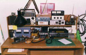 Ham radios - an alternative to mobile phones